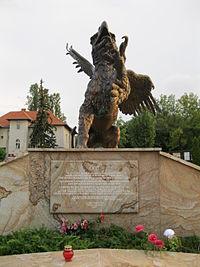 Griff-szobor a Farkasréti temetőben2.JPG