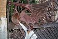 Grille de dragon par Gaudi.JPG