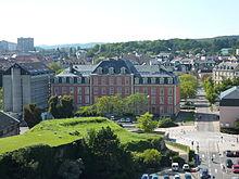 photographie montrant l'hôtel du département, siège du Conseil départemental du Territoire de Belfort, vu de face (façade arrière)