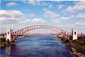 Le Hell Gate Bridge.