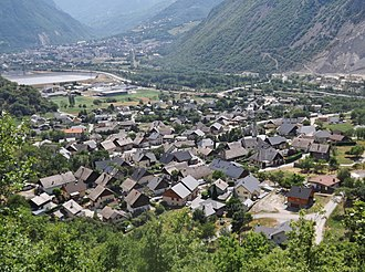 Hermillon - A general view of Hermillon, with visible Saint-Jean-de-Maurienne at the background
