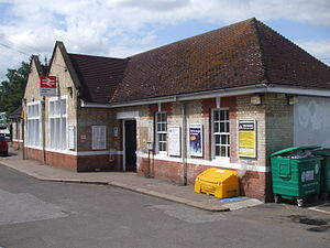 Highams Park railway station - Image: Highams Park stn building