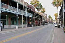Photo d'une rue du quatier d'Ybor City à Tampa.