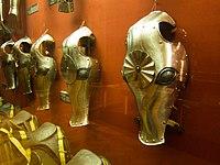 Horse face armour (14694360044).jpg