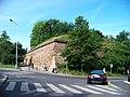 Hradby vyšehradské pevnosti, z ulice Na Bučance přes Lumírovu.jpg