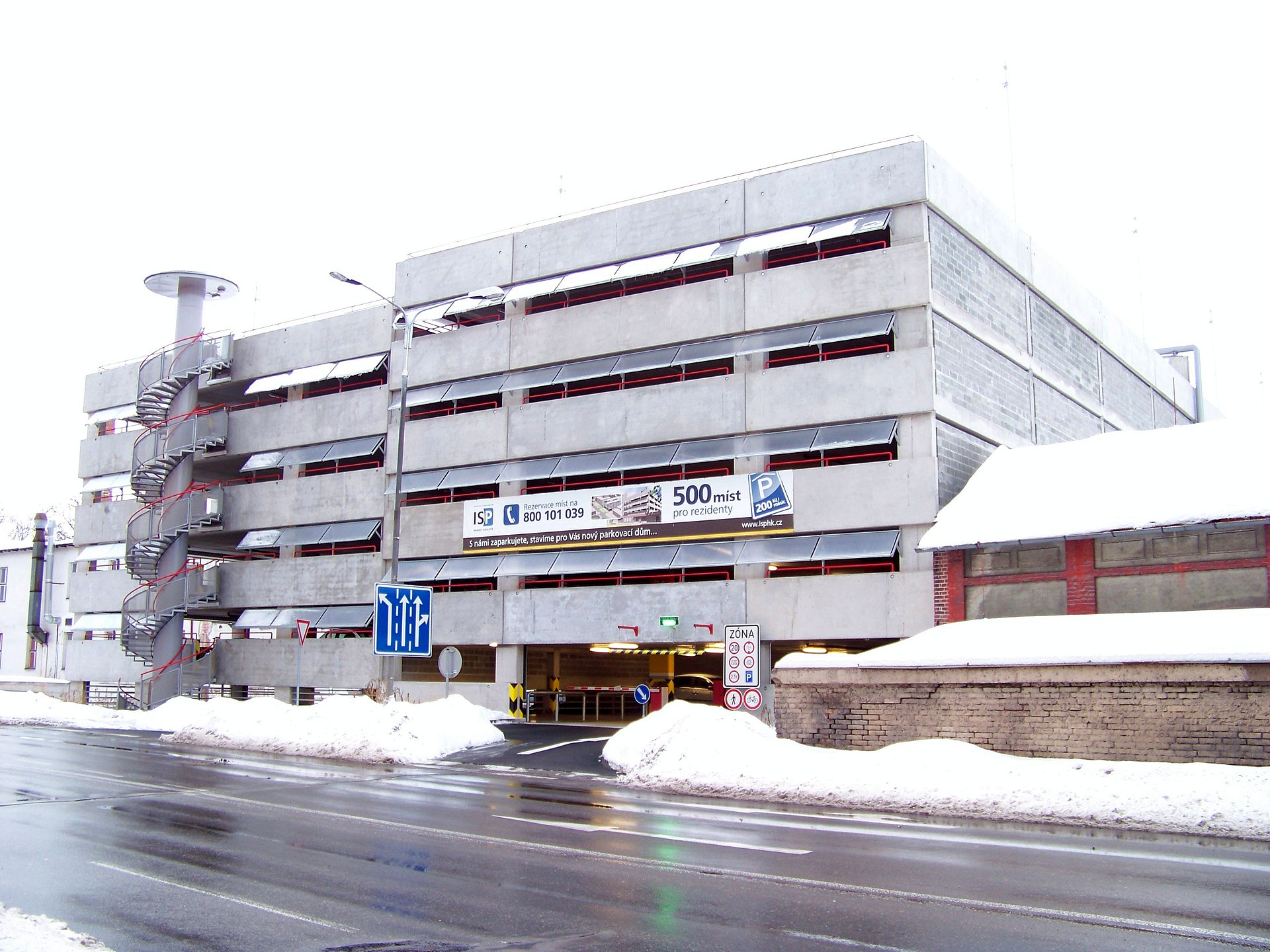 Multi storey car park wikipedia for Nomenclature icpe garage automobile