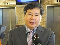 Hsu Chun-hsin with PTS News microphone 20130812.jpg