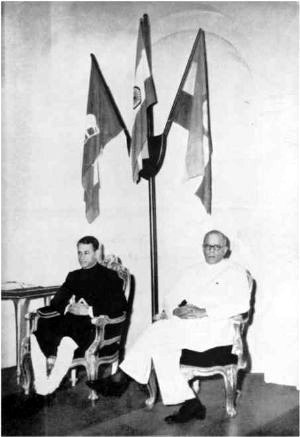 Chithira Thirunal Balarama Varma - The Maharajah with V. P. Menon inaugurating the Travancore-Cochin Union