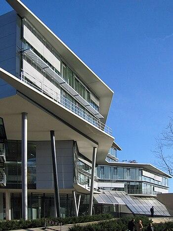Das Gebäude der IHK in der Bergstraße, 2004