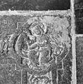 Interieur, grafzerk in koor, detail afbeelding evangelisten symbool (B), in hoek priesterzerk. - Reeuwijk - 20374733 - RCE.jpg