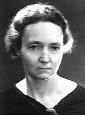 Irène Joliot-Curie - Image: Irène Joliot Curie Harcourt