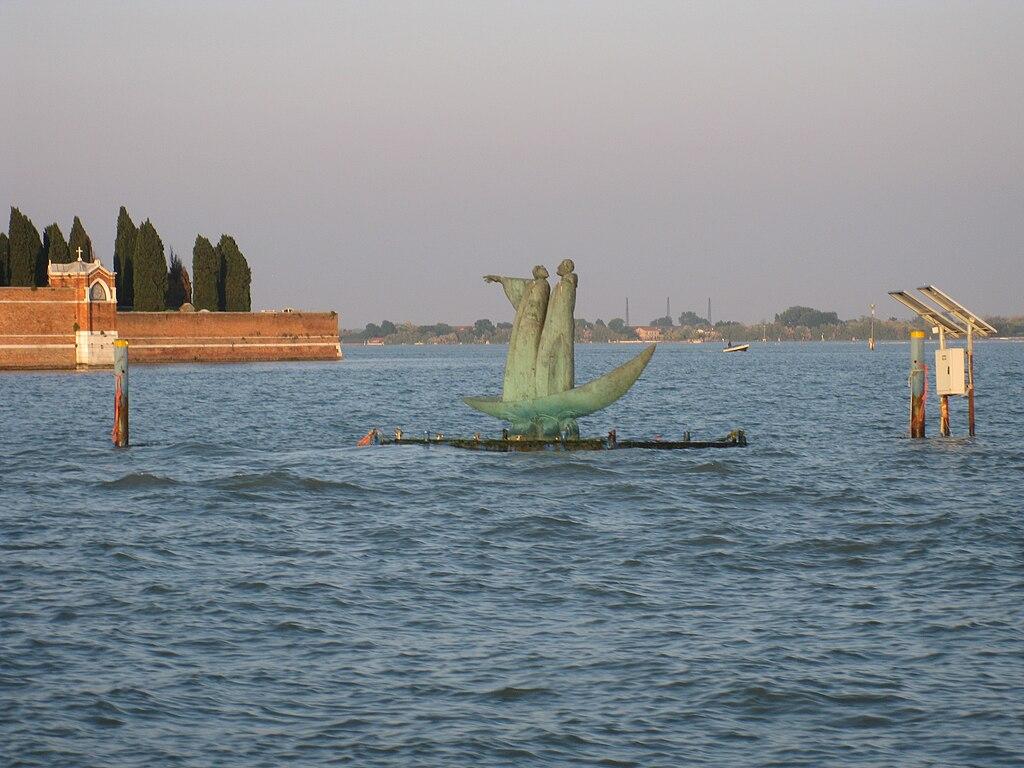 Il Passaggio hacia la Isola de San Michele. Venecia