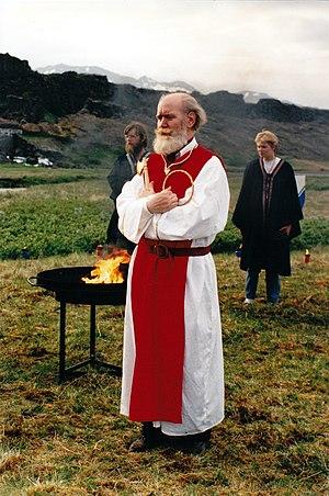 Ásatrúarfélagið - Jörmundur Ingi is sworn in as allsherjargoði in July 1994.