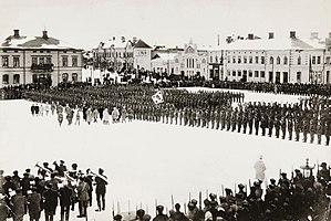 Jäger Movement - Finnish Jägers parading at the town square of Vaasa 1918.
