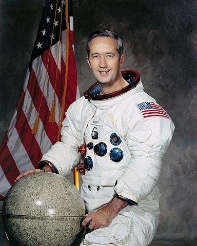 Astronaut Jim McDivitt, NASA photo (1971)Source: Wikipedia (www.jsc.nasa.gov page unavailable June 2019) 384px-JamesMcDivitt.jpg