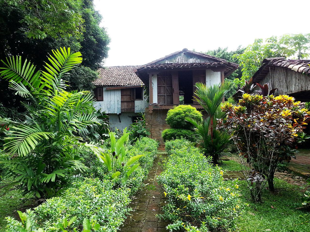 File jardin de la casa de wikimedia commons - Jardin en casa ...
