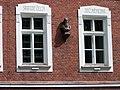 Jenerálka, škola, okna a Komenský.jpg