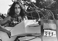 A cantaire estatounitense Joan Baez en 1963.