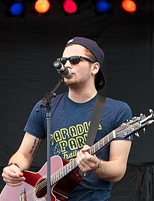 Joel Crouse at Countryfest 2013.jpg