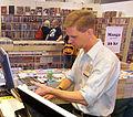 Johan Frick i Science Fiction-bokhandelns monter på Bokmässan 2009-09-24 - 6508.jpg
