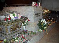 Ferenc József és felesége sírja a bécsi kapucinusok sírboltjában