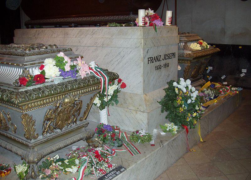 File:Kaiser Franz Joseph tomb - Vienna.jpg