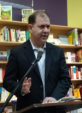 Ken Stern - Author Ken Stern at a book reading in Cambridge, Massachusetts.