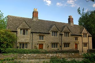 Kidlington - Lady Anne Morton's almshouses, next to the parish church