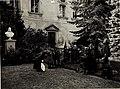 Kinderfest 04.10.1916, im Hof des Fürstbischöflichen Palais, in Anwesenheit des Fürstbischofes und Exzellenz von Roth. (BildID 15576089).jpg