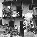 """Koše dela; žena dela """"žoke"""" (nogavice), Robidišče 1951.jpg"""