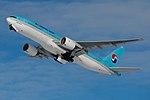 Korean Air Boeing 777-200ER HL7765 (8421881588).jpg