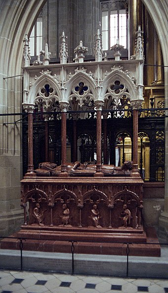 Tomb of Casimir III the Great at Wawel Cathedral. Krakow was the capital of Poland from 1038 to 1596 Krakow nagrobek Kazimierza W.jpg