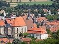 Kronach - Pfarrkirche St. Johannes der Täufer und Pfarrhaus.jpg