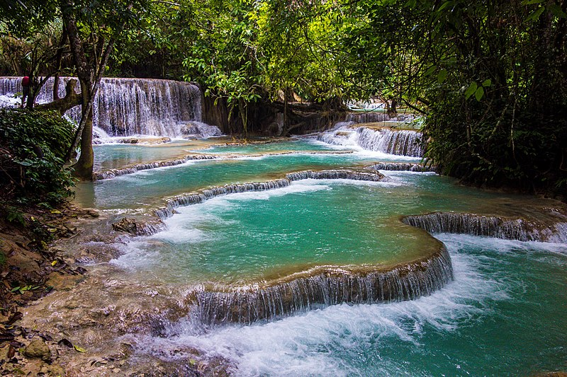 File:Kuang Si Waterfall (24015933482).jpg