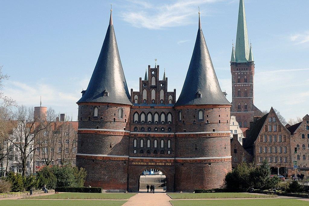 Lübeck Holstentor 070311