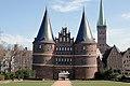 Lübeck Holstentor 070311.jpg