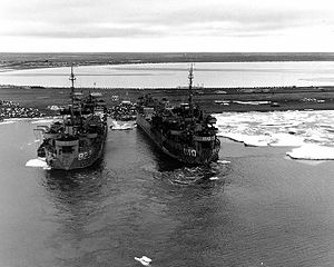 USNS Harris County (T-LST-822) - Image: LST 822 and LST 1110