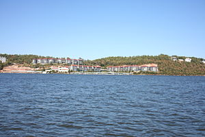 Houses on Lake of the Ozarks, Missouri, USA. M...