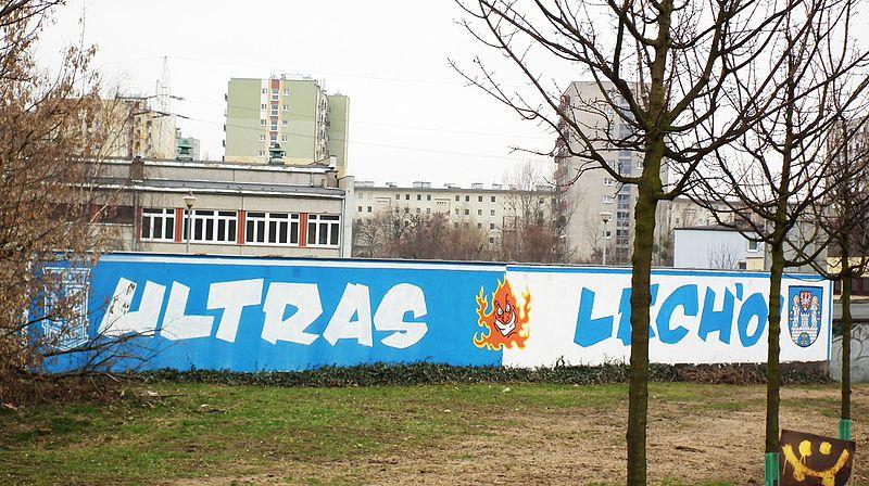 Lech Poznań Wikipedia: File:Lech Poznan Graffiti , Winiary Poznan (3).JPG