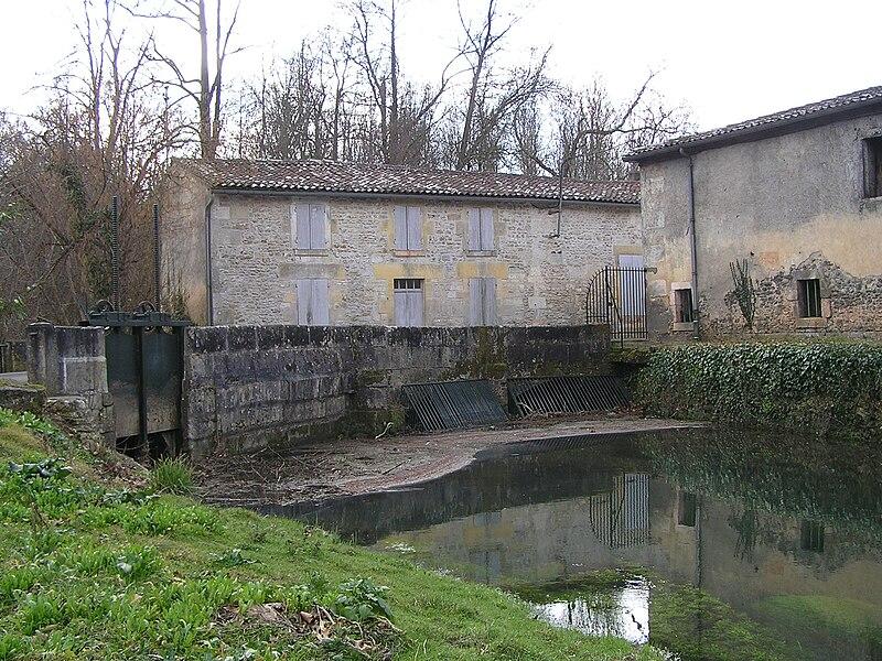 Le moulin des Angeliers sur l'Antenne, commune de Javrezac.