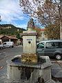 Les Sièyes, fontaine.JPG