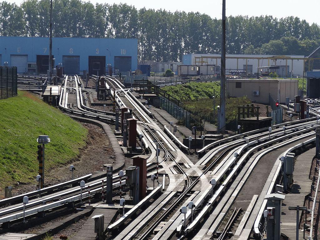 Lille, franciaország, automata metró, VAL, kocsiszín