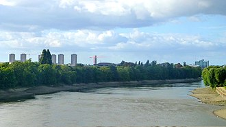 London Borough of Hounslow - Image: London Thames river panoramio