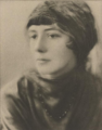 Lynn Fontanne - Nov 1921.png