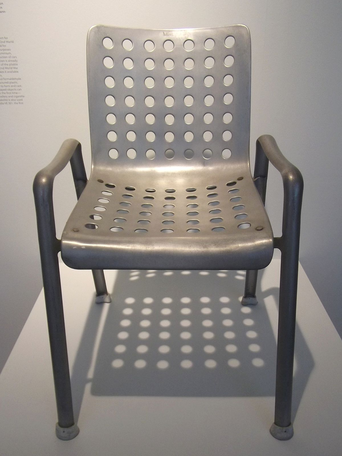 Landi stuhl wikipedia for Stuhl design geschichte
