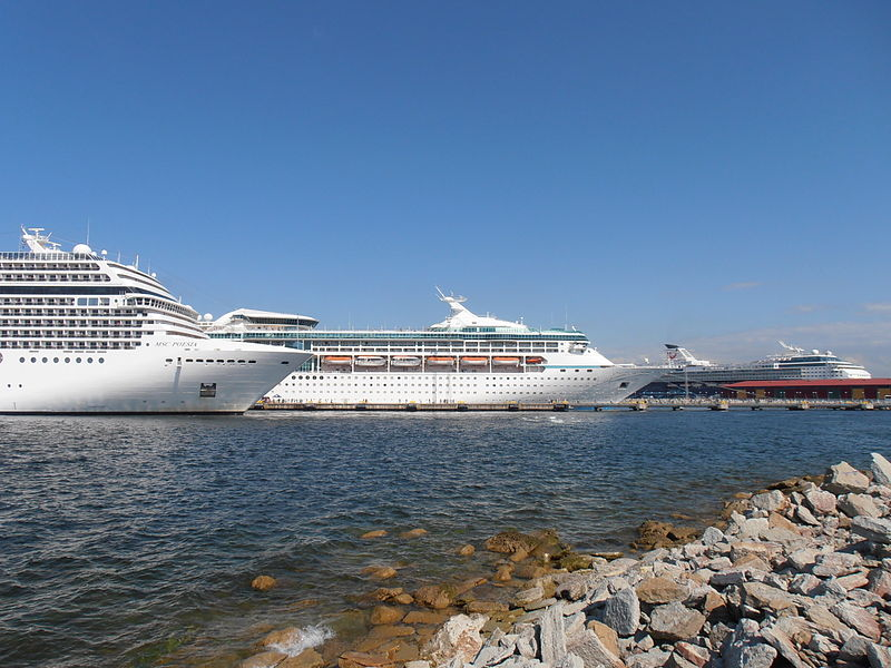 File:MSC Poesia Vision of the Seas & Mein Schiff 2 in Tallinn 13 June 2012.JPG