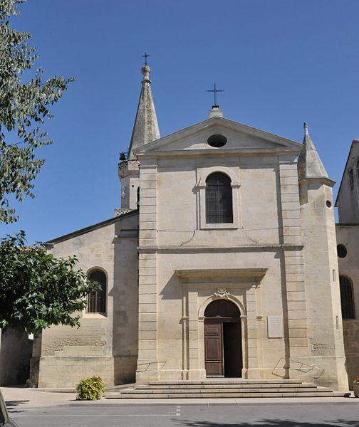 Maillane, Kirchenschiff aus Westen