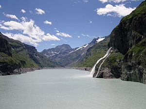 Lac de Mauvoisin - View of the lake from the dam, July 2008