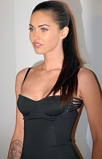 "Megan Fox - Fox, at the Seventh Annual Hollywood ''Life'' magazine ""Breakthrough of the Year"" Awards, December 9, 2007"