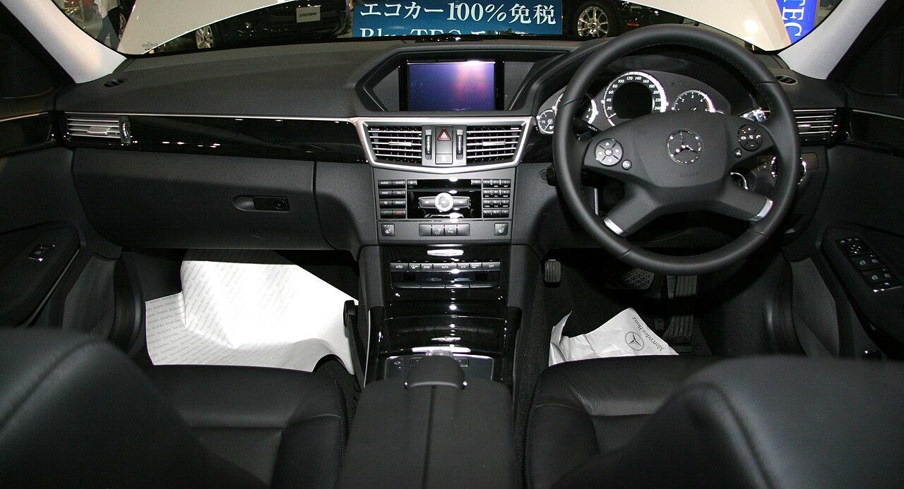 File mercedes benz e350 bluetec wikimedia for Mercedes benz e350 interior